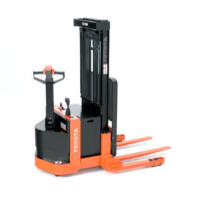 toyota straddle stacker