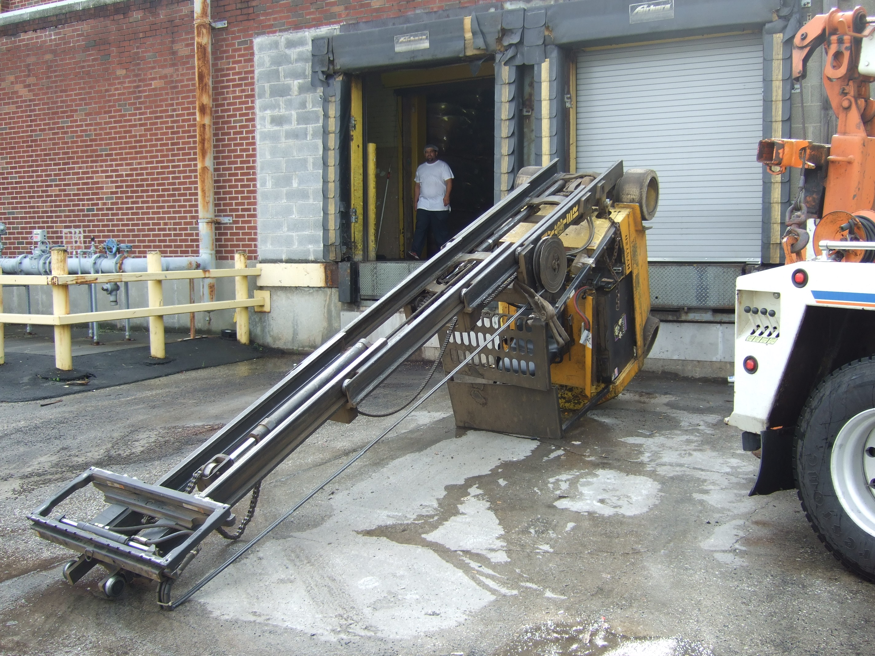 Warehouse Dock Safety It S Easy If You Do It Smart