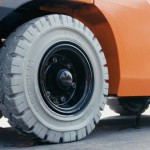 pneumatic non-marking tire
